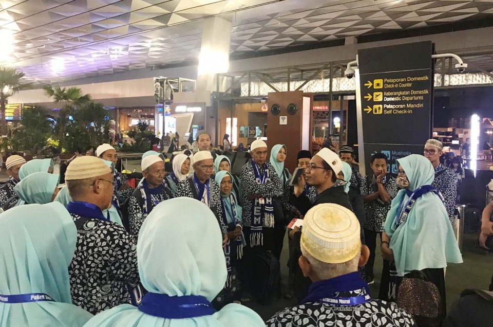 43 Jamaah Umroh Pakem Tours Bertolak Menuju Jeddah