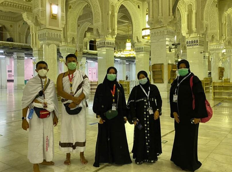 Detik-detik berbahagia tim dapat menginjakan kaki kembali di Masjidil Haram Mekkah