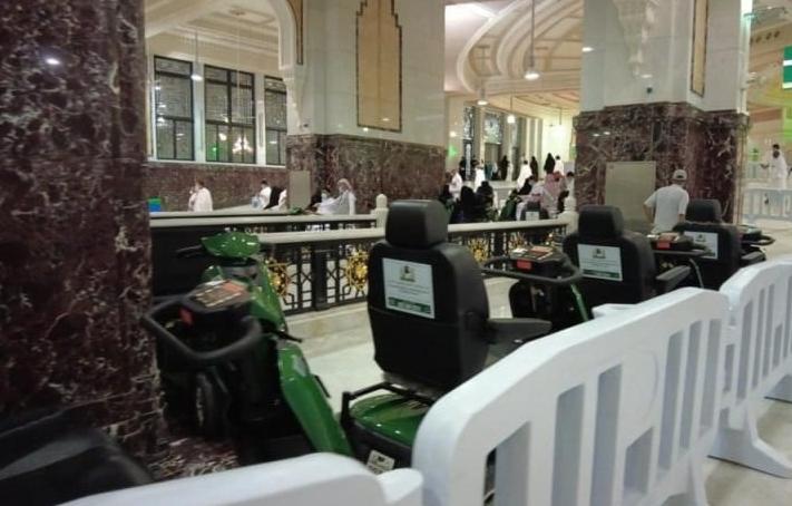 Kursi roda bermesin sewaan di Masjidil Haram Mekkah